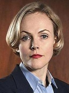 maxine peake after graduating from salford university peake trained at