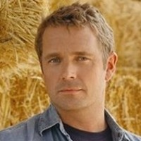 Jonathan Kent played by John Schneider