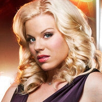 Ivy Lynn played by Megan Hilty