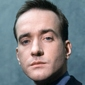 Tom Quinnplayed by Matthew Macfadyen