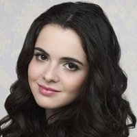 Bay Kennish played by Vanessa Marano