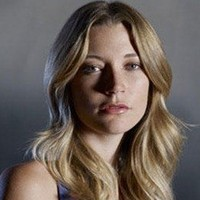 Leila Buchanan played by Sarah Roemer