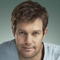 Walter Sherman played by Geoff Stults