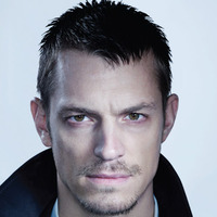 Stephen Holder played by Joel Kinnaman