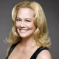 Phyllis Kroll played by Cybill Shepherd