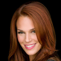 Grace Van Pelt played by Amanda Righetti