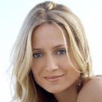 Kirsten Cohen played by Kelly Rowan