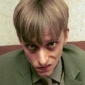 Gareth Keenan played by Mackenzie Crook