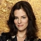 Sarah Tompkins played by Parker Posey