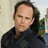Detective Shane Vendrell played by Walton Goggins