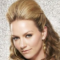 Amanda Tanen played by Becki Newton