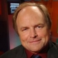 Himself - Host played by Clive Anderson