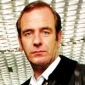 Dr. Tony Hill played by Robson Green